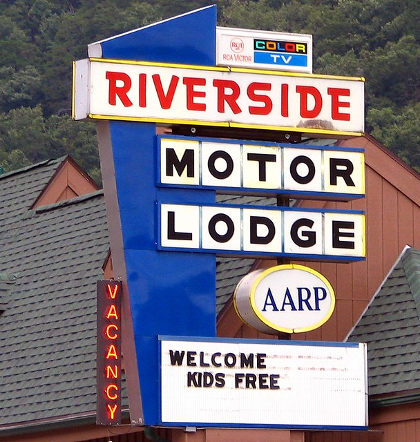 Riverside motor lodge gatlinburg tn flickr photo for Riverside motor lodge pigeon forge