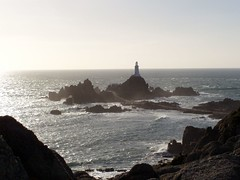 horizon, sea, ocean, lighthouse, body of water, wind wave, wave, shore, stack, coast, islet, tower, rock, sunrise, cliff,