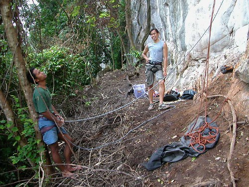 Akmal belaying while Lai relaxes