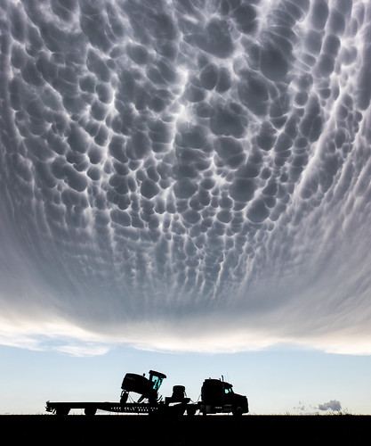 Mammatus over Kansas por Kelly DeLay