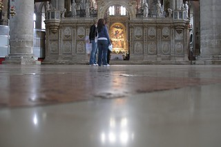Imagine de Basilica di Santa Maria Gloriosa dei Frari. venice people italy interiors