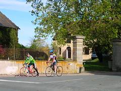 cyclistes (GENNETINES,FR03)