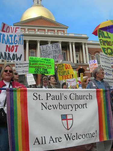 St Paul's Church, Newburyport, rallies for gay marriage