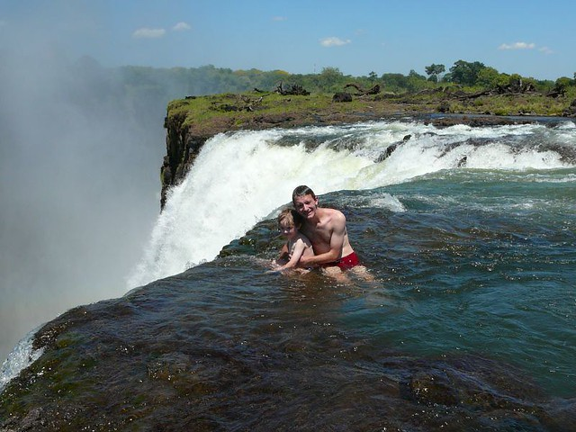 Swimming on victoria falls flickr photo sharing for Piscina del diablo