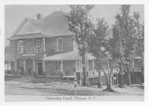 Hiawatha Hotel