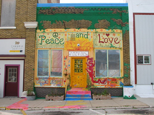 Peace and Love in Sac City, Iowa by The Stakhanovite Twins