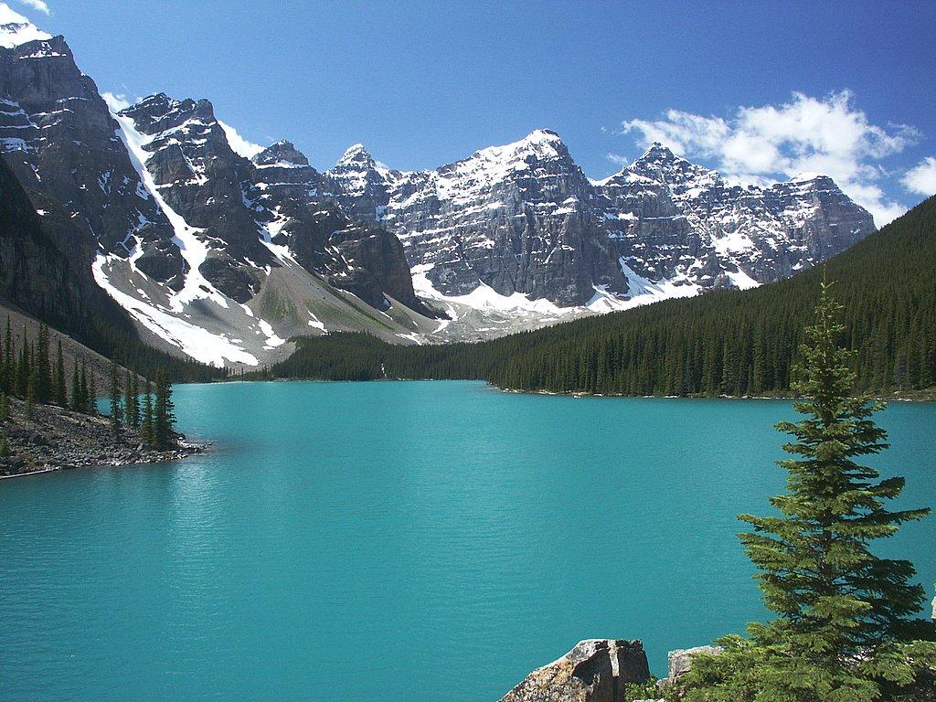 死ぬまでに一度は行きたい世界の絶景:カナダのモレーン湖