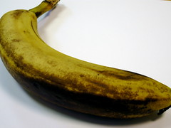 vegetable(0.0), cooking plantain(1.0), banana(1.0), produce(1.0), fruit(1.0), food(1.0),