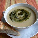Pesto-Rezepte: Potato soup with parsley pesto