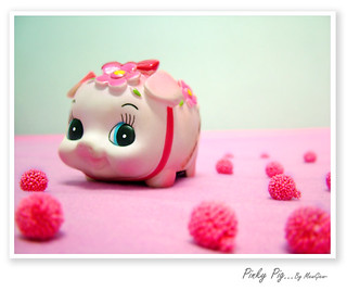 PINKY_PIG_by_mwkw