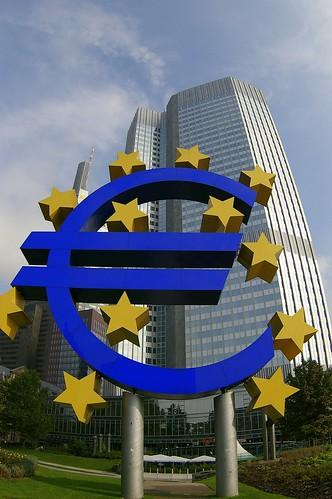 crise imminente de l'euro  / les enjeux  - Page 2 268580012_078e8e9fe2