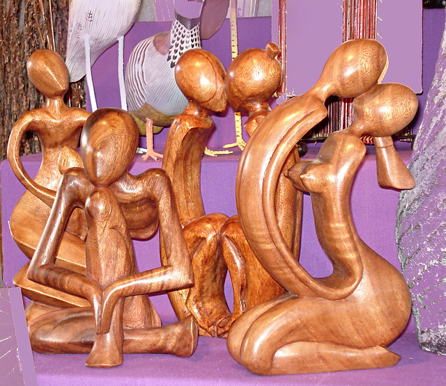 Christmas at La Défense, Wood sculptures