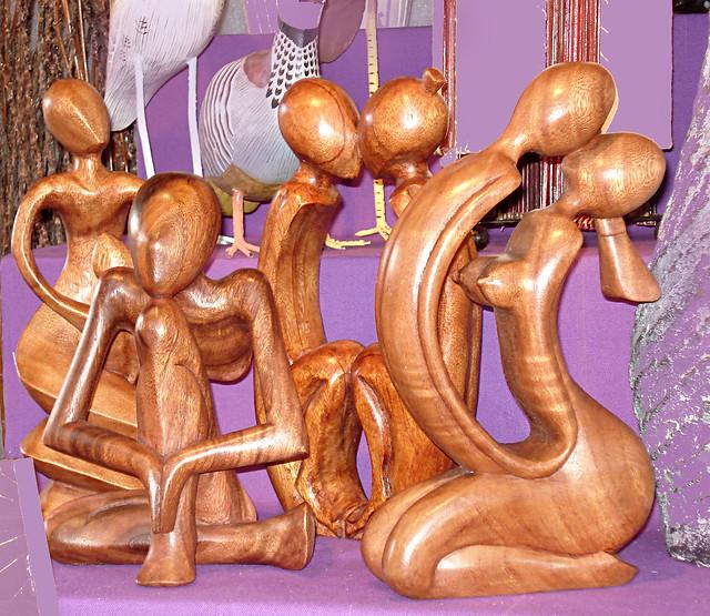 Christmas at La Défense, Wood sculptures