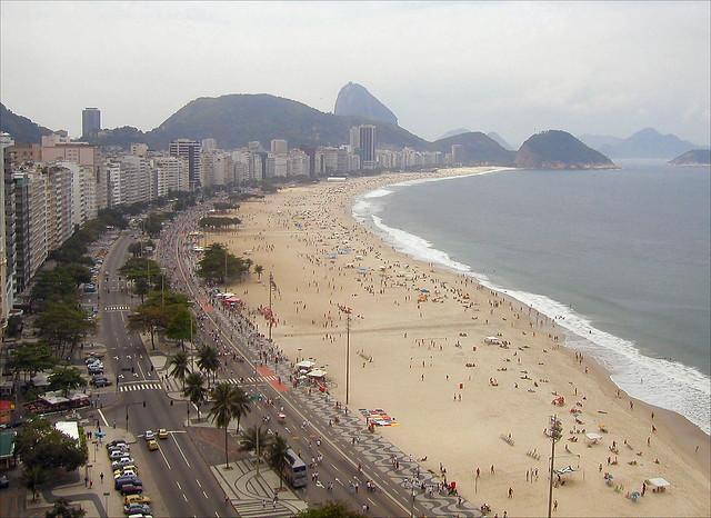 Пляж Копакабана, Рио-де-Жанейро.
