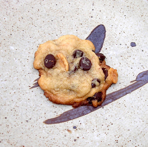 chocolate chip peanut cookies