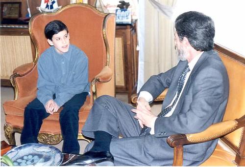 Aitor con Humberto Cirarda, Alcalde de Getxo, en 1998, cuando le presentamos www.getxoweb.com