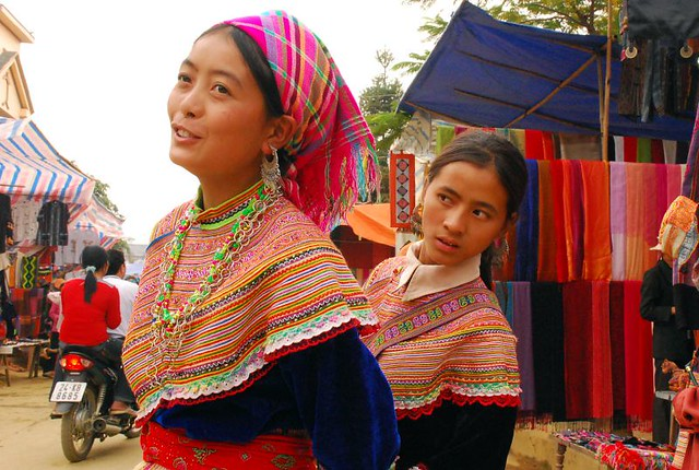 Women from a traditional village in Vietnam, Bac Ha - Flickr CC EverJean
