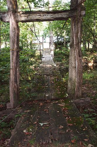 bridge virginia footbridge decay 2006 va bathcounty swingingbridge
