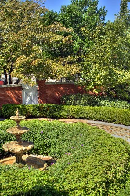 Hallmark At Oak Ridge Apartments