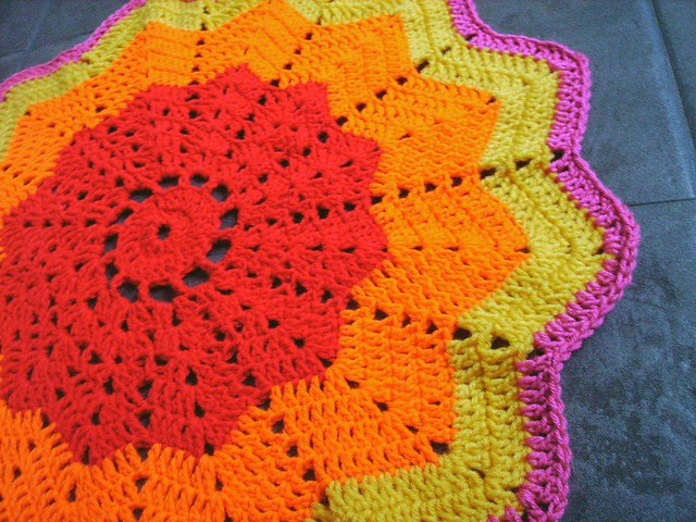 How to Crochet a Round Blanket | eHow.com