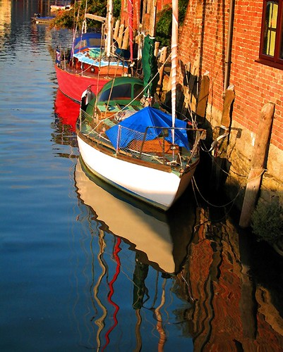 Moored boats at Eling wharf