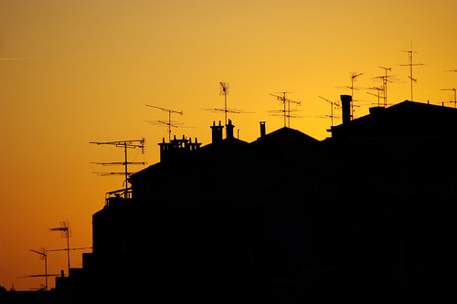 houses sunset portugal silhouette geotagged nikon tramonto d70 professional dslr viaggi exchange coimbra antenna portogallo flickrfavourites ifmsa geo:tool=gmif portugao drmauro professionalexchange geo:lat=40212211 geo:lon=8424937 ©maurodelromano maurodelromano 608752