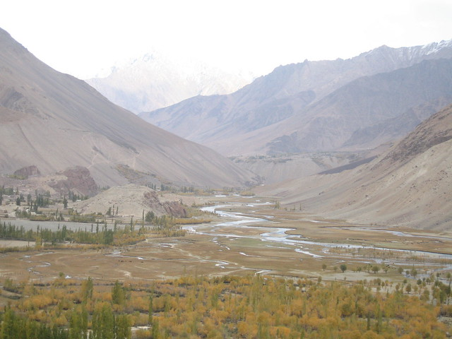 Heading along the Gilgit river towards Phander