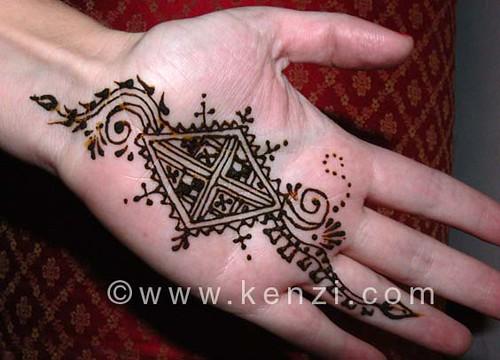 suzanne's halloween henna