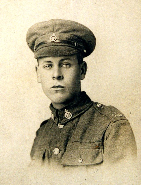 Gordon Featherstone WW1 uniform