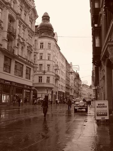 下雨的欧洲街道