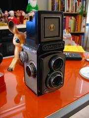 digital camera(0.0), instant camera(0.0), cameras & optics(1.0), camera(1.0), single lens reflex camera(1.0),