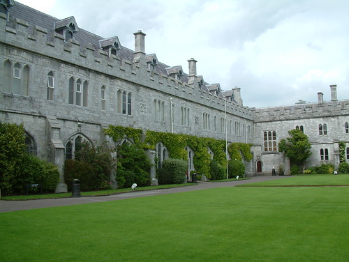 UCC Tyndall Institute photo