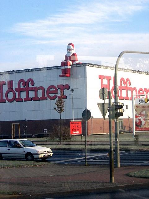 weihnachten bei h ffner ist der weihnachtsmann aufs dach g flickr photo sharing. Black Bedroom Furniture Sets. Home Design Ideas