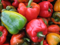 italian sweet pepper(0.0), peperoncini(0.0), paprika(1.0), chili pepper(1.0), bell pepper(1.0), vegetable(1.0), red bell pepper(1.0), peppers(1.0), bell peppers and chili peppers(1.0), produce(1.0), fruit(1.0), food(1.0), pimiento(1.0), habanero chili(1.0),