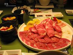 hot pot(0.0), shabu-shabu(0.0), meal(1.0), yakiniku(1.0), samgyeopsal(1.0), meat(1.0), kobe beef(1.0), food(1.0), dish(1.0), cuisine(1.0),