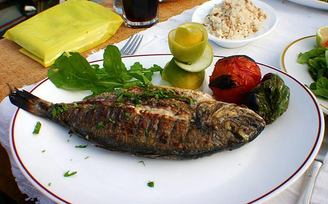 Рыбное блюдо на Кипре