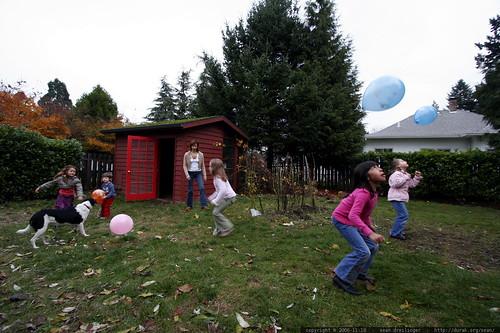 balloon juggling    MG 5982