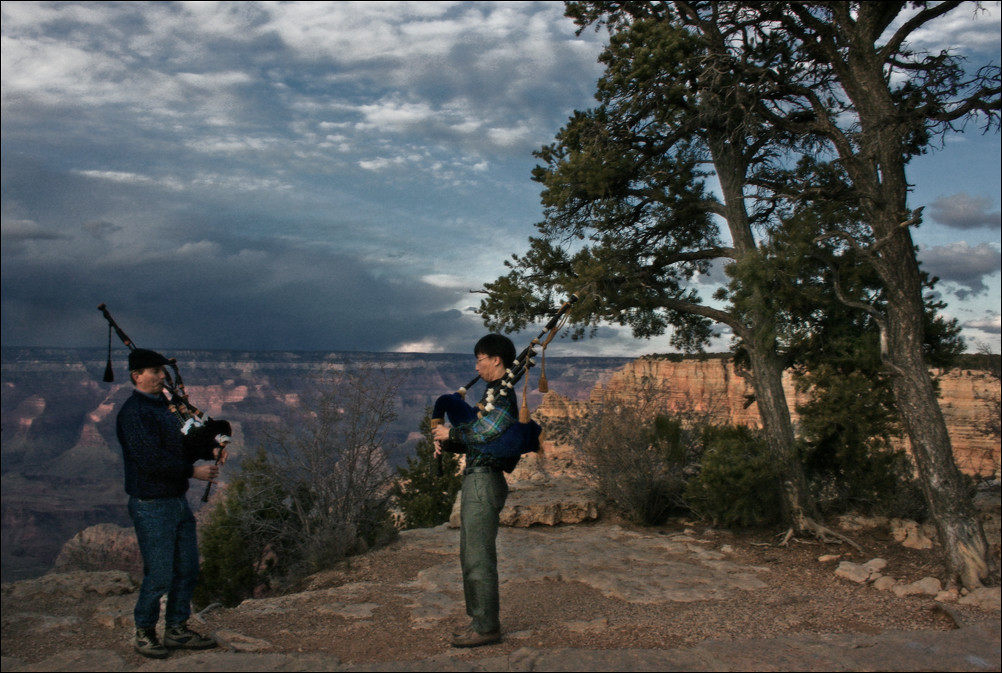 The Grand Canyon and its Tourists - Bagpipers at the Grand Canyon, November 2006