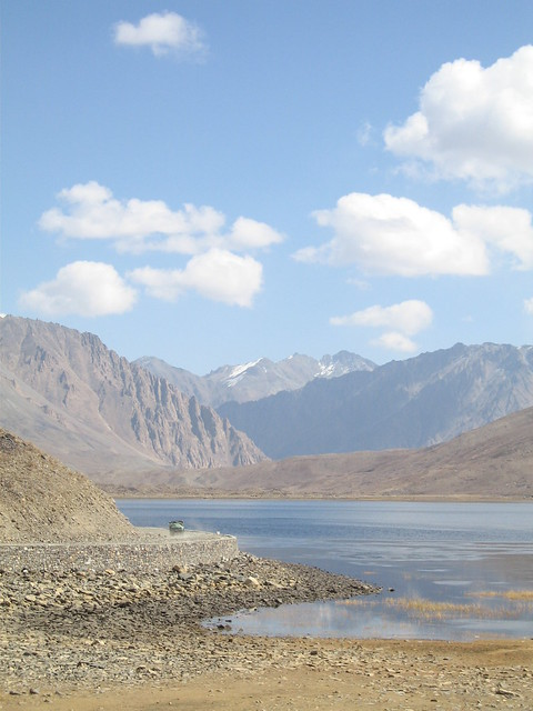 Jeep, track, lake - Shandur Pass