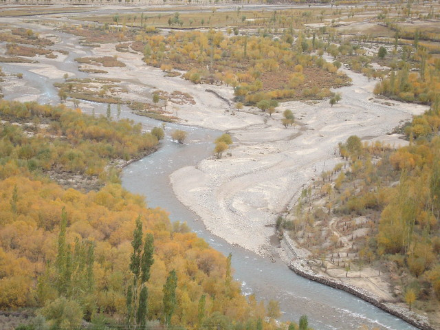 Autumn colours along the Gilgit river