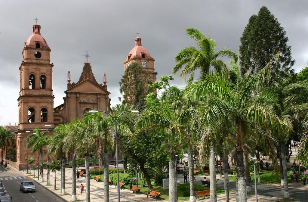 Santa cruz de la sierra la vida en la calle skyscrapercity for Casa la mansion santa cruz bolivia