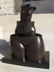 bust(0.0), stone carving(0.0), monument(0.0), bronze sculpture(0.0), ceramic(0.0), art(1.0), sculpture(1.0), metal(1.0), bronze(1.0), statue(1.0),