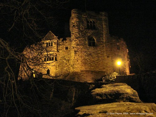 Tamworth Castle at night