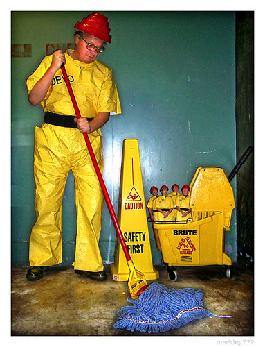 DEVO - Mopping Up