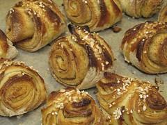 danish pastry(0.0), breakfast(1.0), pastry(1.0), tsoureki(1.0), rugelach(1.0), schnecken(1.0), baked goods(1.0), cinnamon roll(1.0), food(1.0), viennoiserie(1.0), dish(1.0), cuisine(1.0), brioche(1.0),
