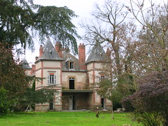 château (NEUILLY-LE-REAL,FR03)