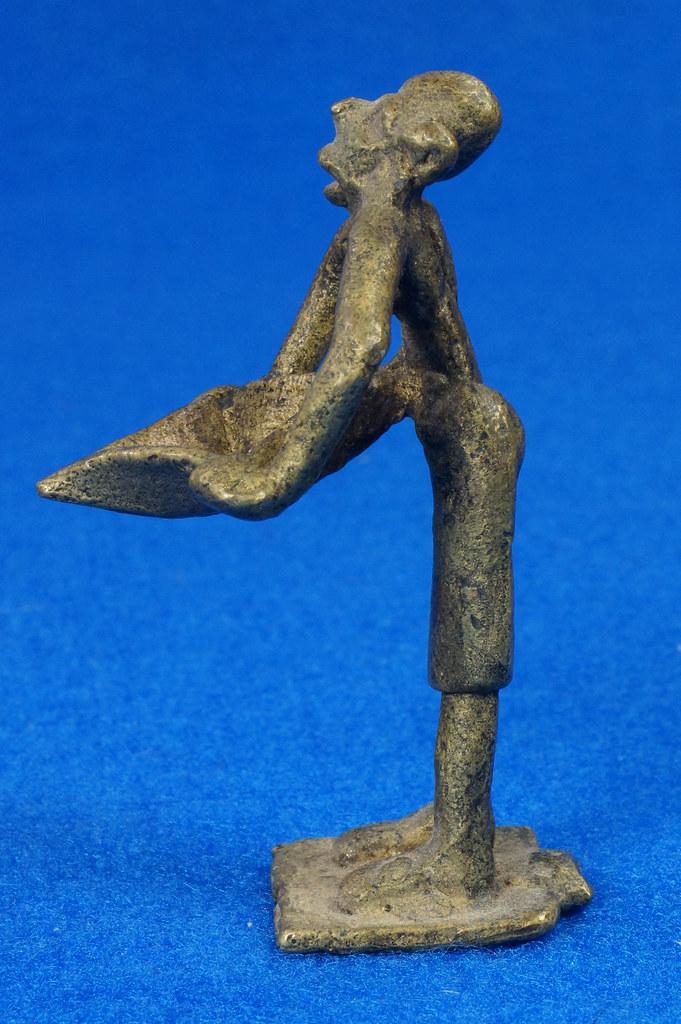 RD15105 4 Vintage African Hand Made Folk Art Primitive Figurines Solid Cast Brass Burkina Faso Yoruba West Africa DSC07126