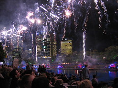 outdoor recreation(0.0), fireworks(1.0), event(1.0), recreation(1.0), new year(1.0), night(1.0),