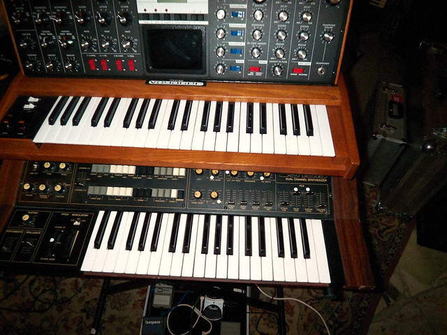 Alice Daisy´s Moog Voyager and Yamaha CS Dual Channel Synthesizer