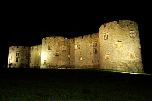 Chirk Castle Floodlit for Christmas 09/12/2006